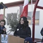 """Saluto della testimonial di """"Save the Children"""" Valentina Lodovini"""